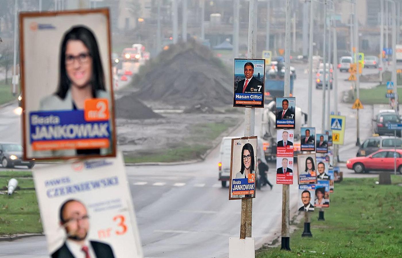 Szkoła Polskiego Plakatu Wyborczego Szaszłyk Z Kandydatów