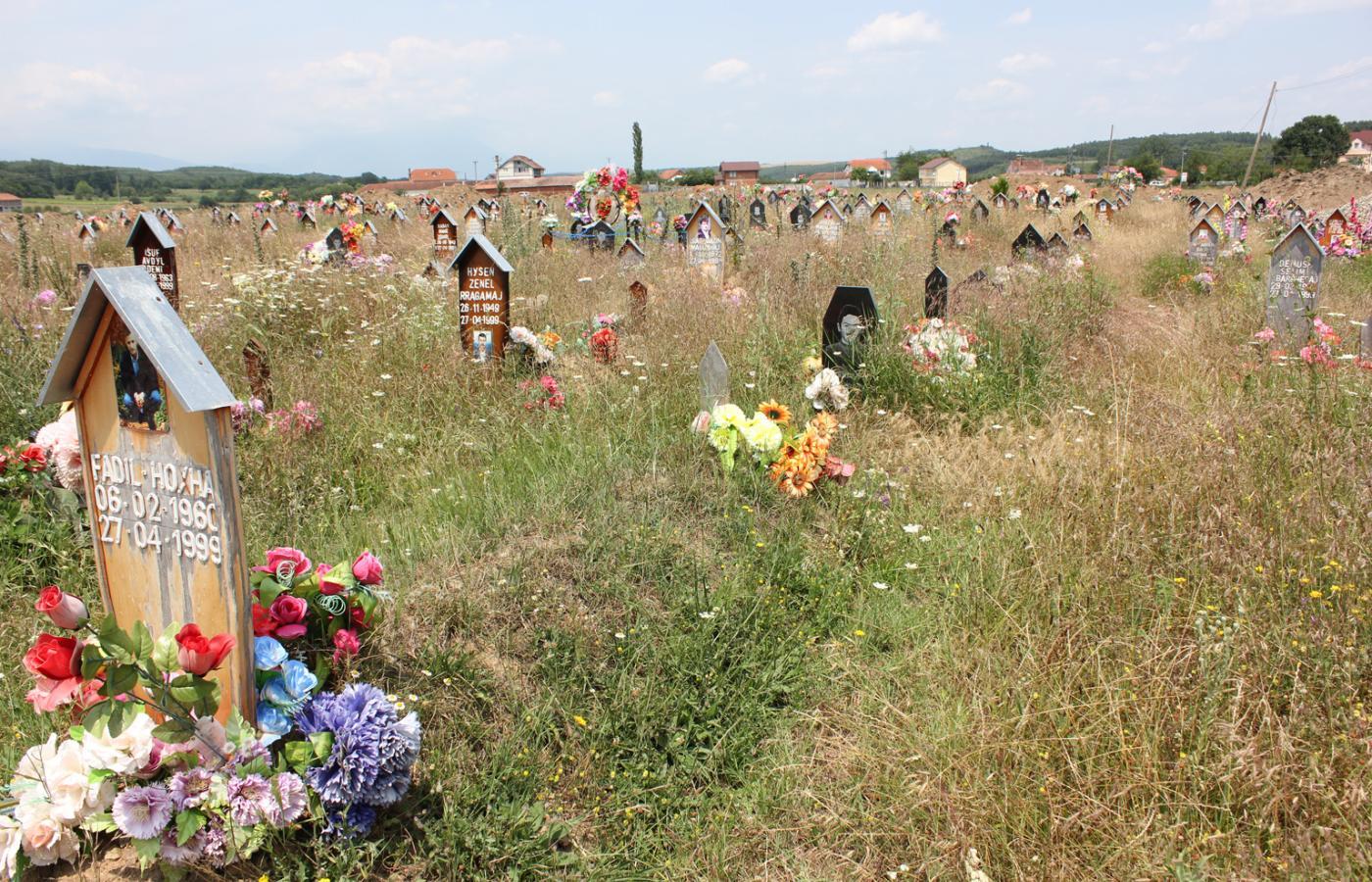 Groby wojenne w Kosowie