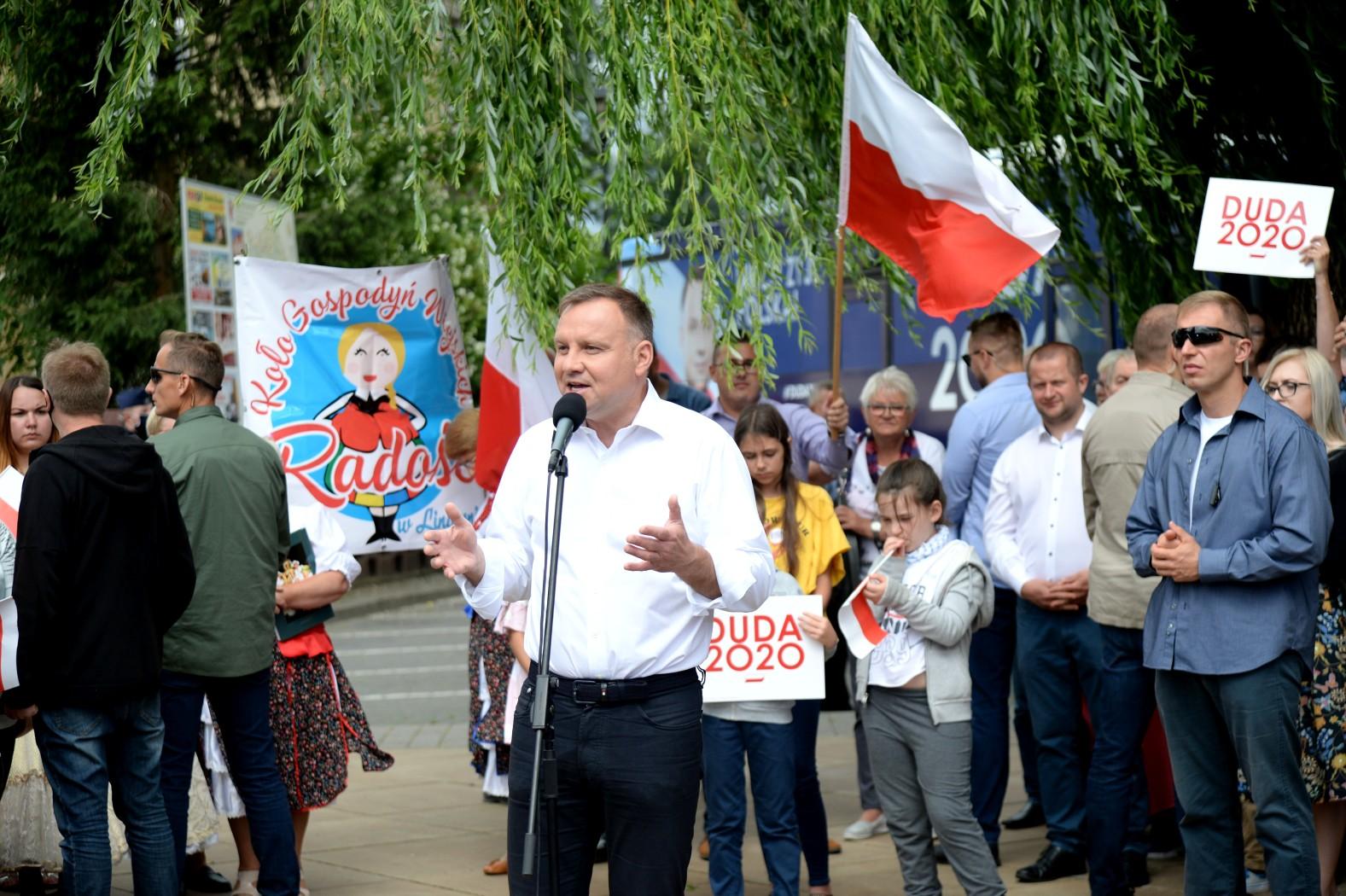 Burza wokół decyzji Dudy. Łaska nie pańska, lecz łaska państwa - Polityka.pl
