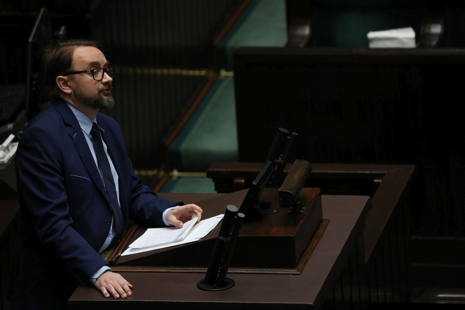0a5cfbb8b245b PiS ucieka przed debatą o nagrodach dla ministrów - Polityka.pl