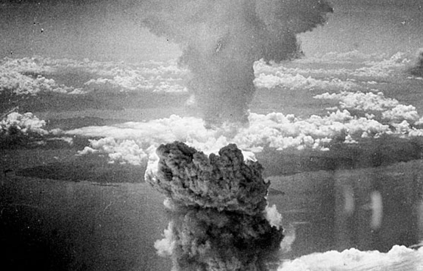 Datowanie węgla po bombach