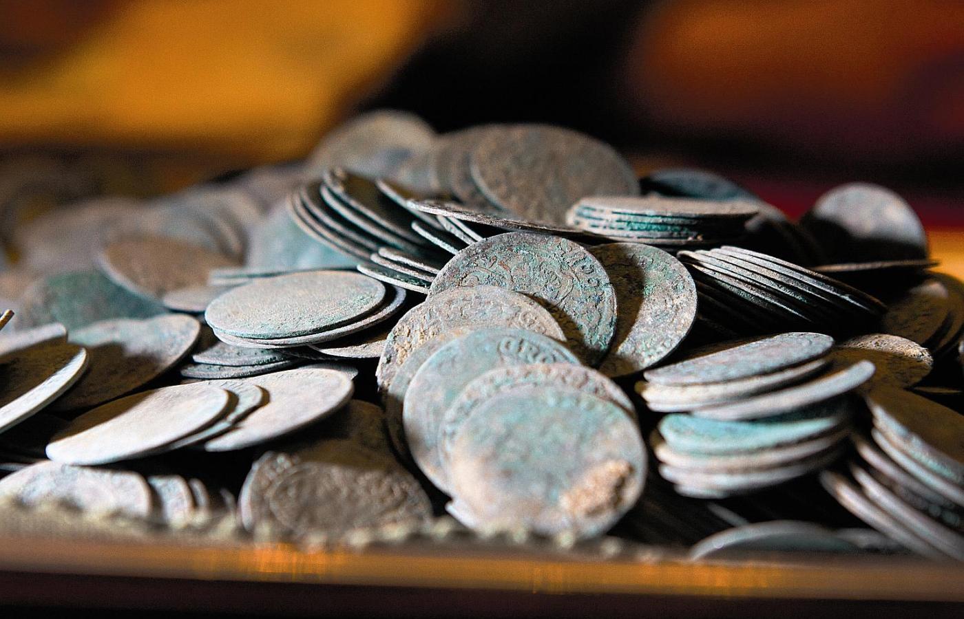 Datowanie biżuterii monet