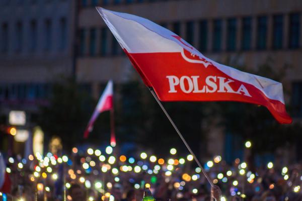 W wielu polskich miastach planowane są na piątek protesty w obronie sądownictwa.