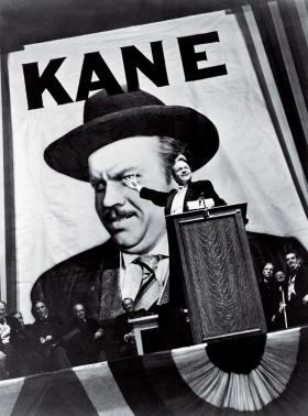 "Ambitny megaloman Charles Foster Kane w filmie ""Obywatel Kane"", 1941 r., Orsona Wellesa."