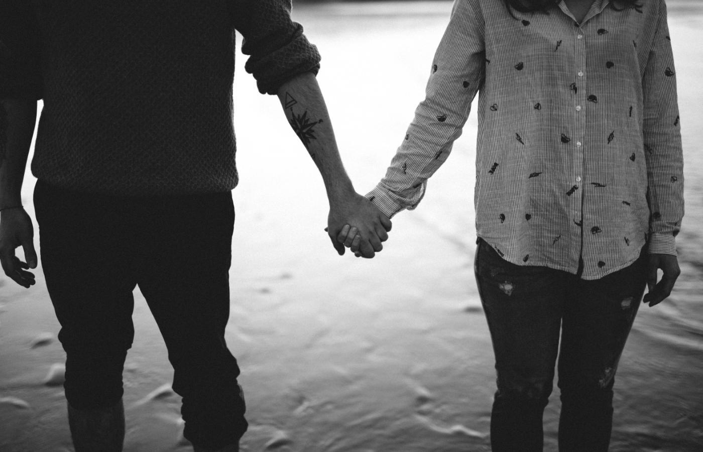 Spotykanie się z kimś, kto miał historię wykorzystywania seksualnego