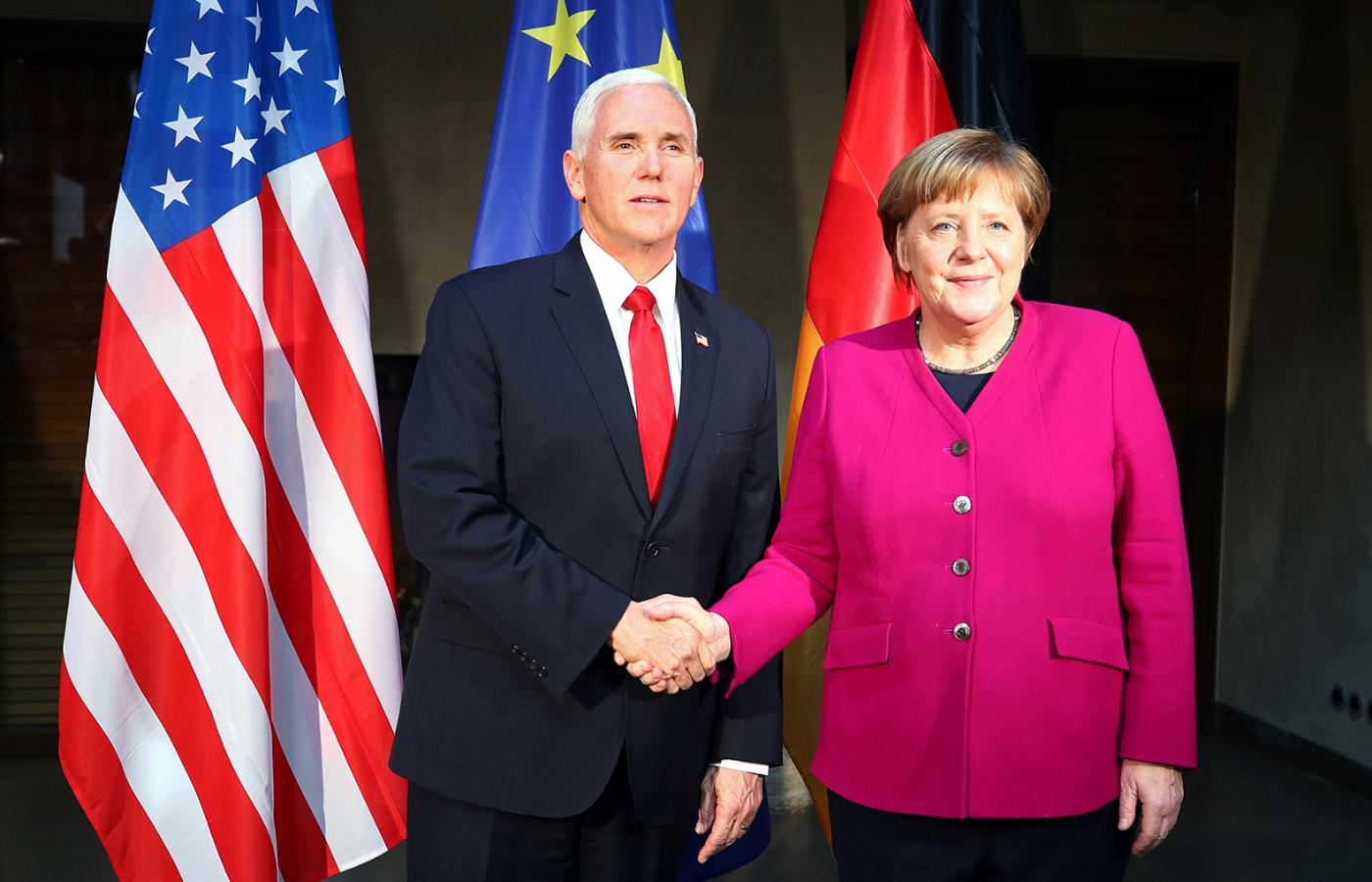 Mike Pence i Angela Merkel