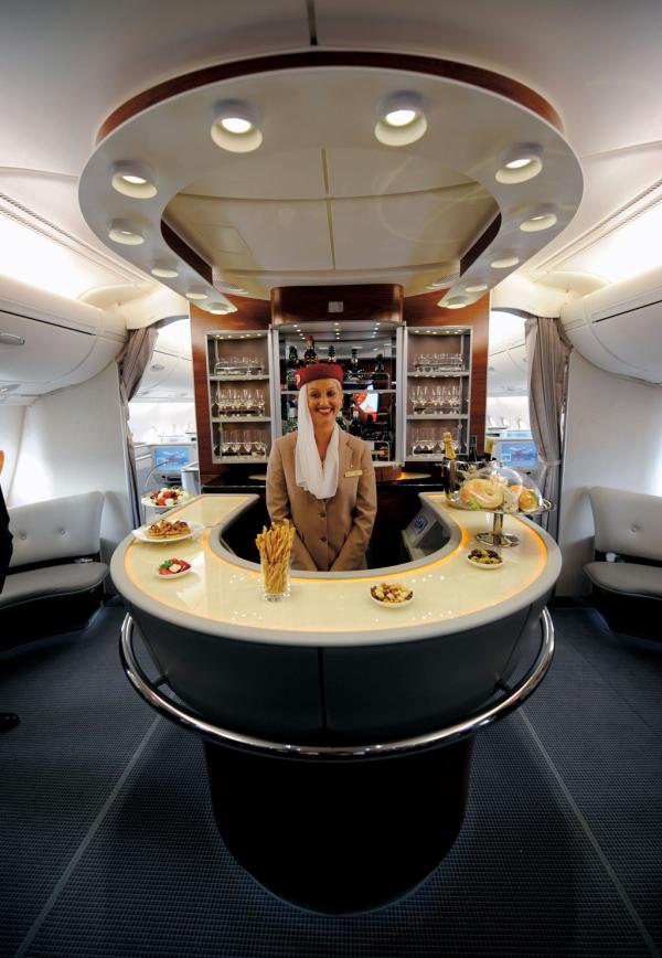 Salon w klasie biznes (Emirates Airline).