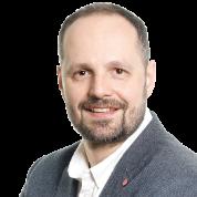 Wojciech Szacki, Polityka Insight