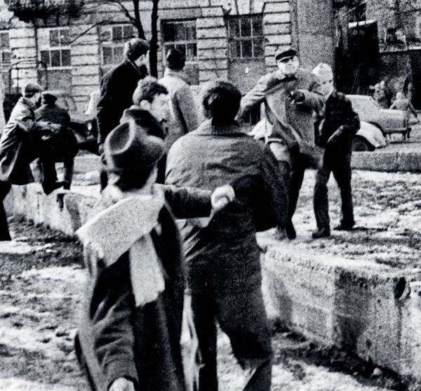 Pacyfikacja wiecu pod Politechniką Warszawską, 9 marca 1968 r.