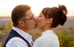 23-letnia kobieta umawiająca się z 32-letnim mężczyzną