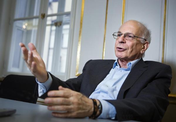 Z powodzeniem zreplikowano eksperyment Daniela Kahnemana, laureata Nagrody Nobla z ekonomii, który wraz z Amosem Tverskym odkrył tzw. efekt framingu.