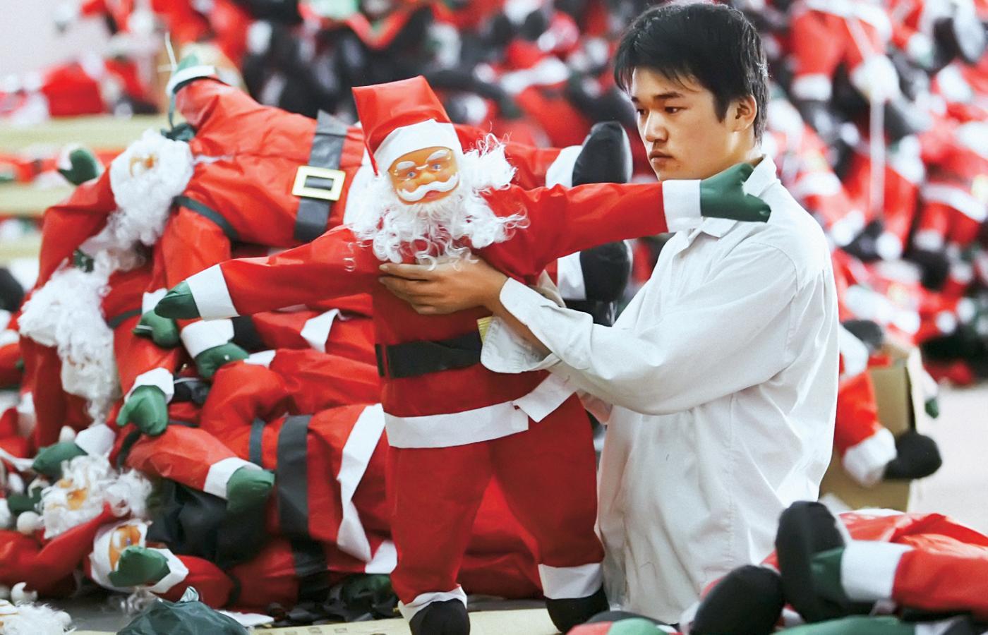 ed21af7711 Fabryka Świętych Mikołajów Yanga Yi w Nanningu. Grozi jej plajta.