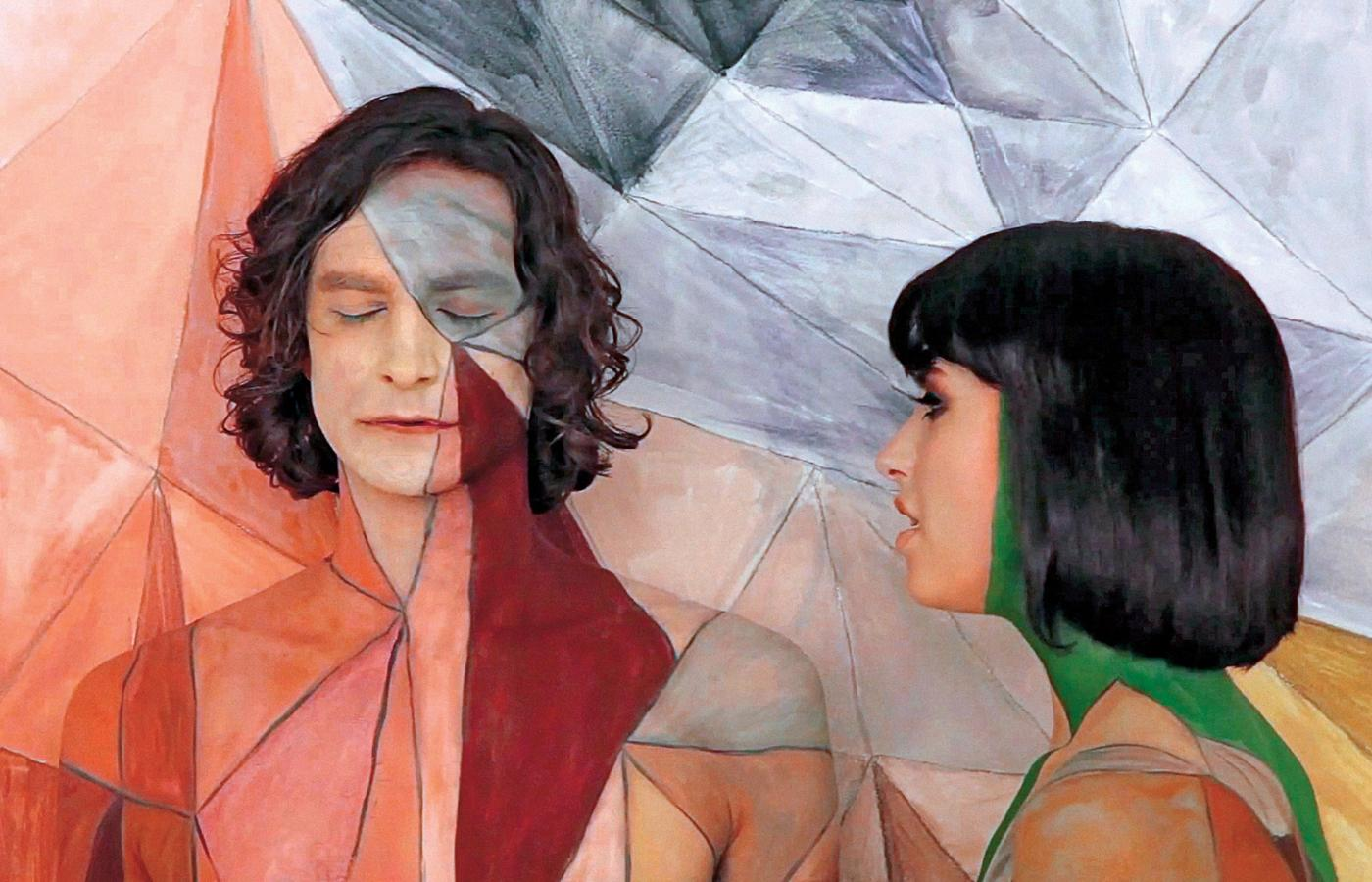 "Teledysk do przeboju Gotye ""Somebody That I Used To Know""."