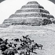 Piramida Schodkowa w Sakkarze, fotografia z 1905 r.