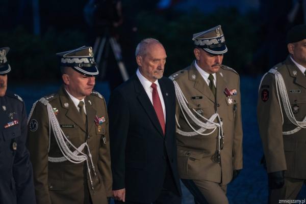Od lewej szef Sztabu Generalnego WP gen. broni Leszek Surawski i minister obrony narodowej Antoni Macierewicz