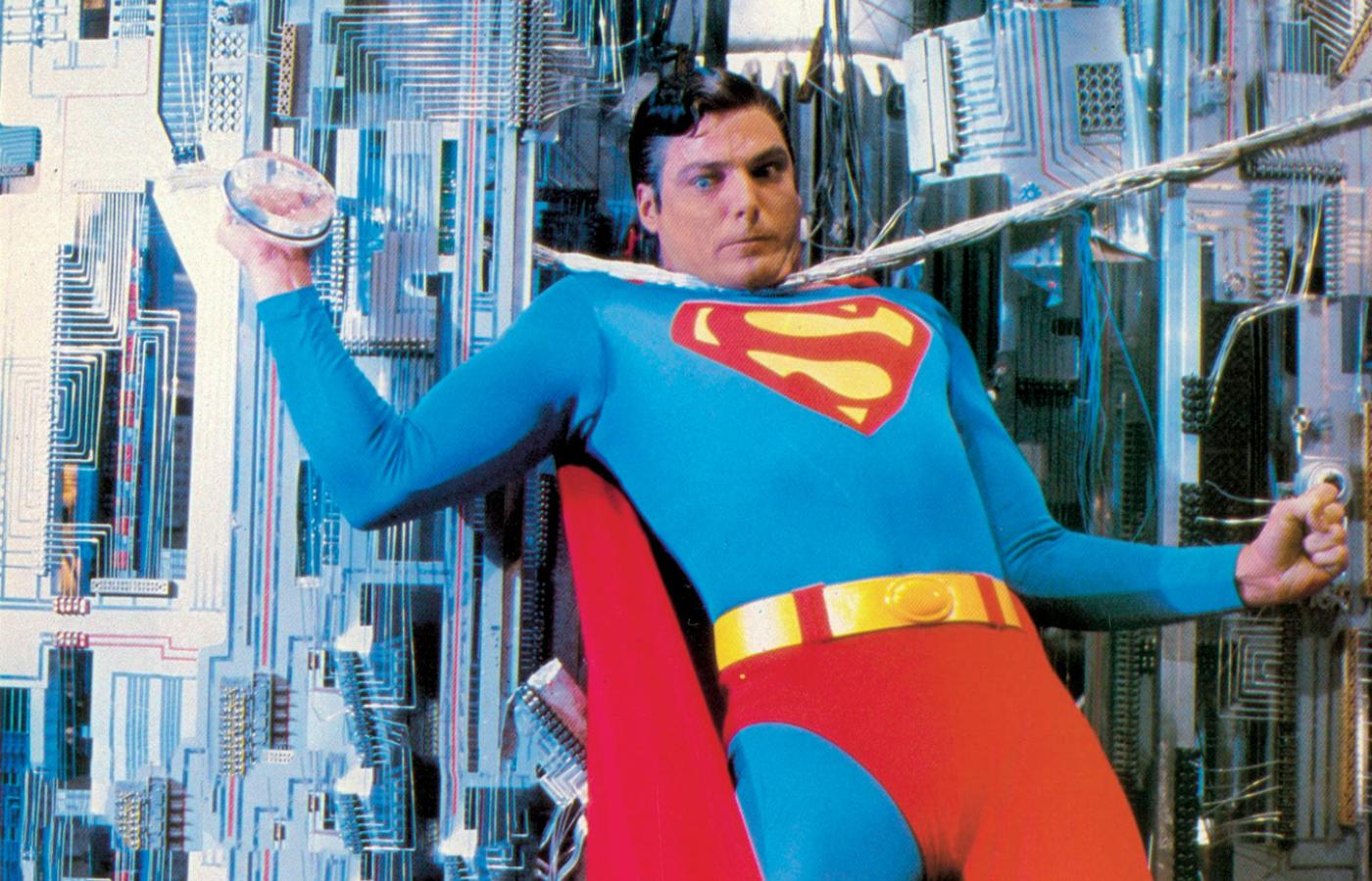 "Christopher Reeve w filmie ""Superman 3"" z 1983 r."