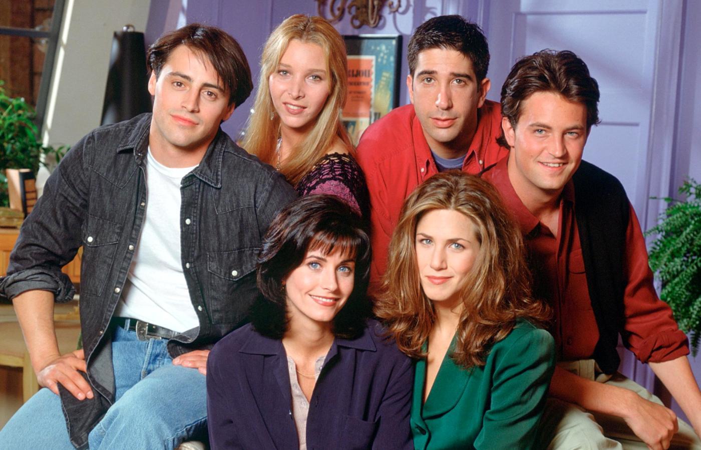 kiedy pierwszy raz łączą się Chandler i Monica